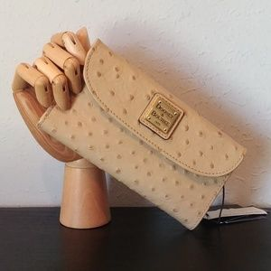 NEW! Ostrich Continental Clutch Solid Sand Color